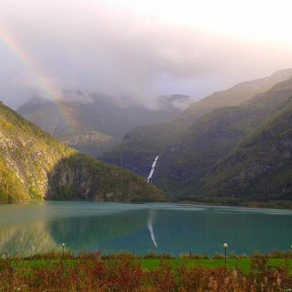 Uitzicht Camping Nymoen. Regenboog bij prijs inbegrepen